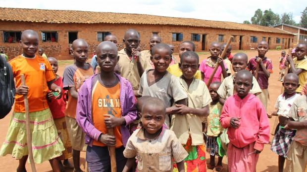 Burundi -Børneaktiviteter