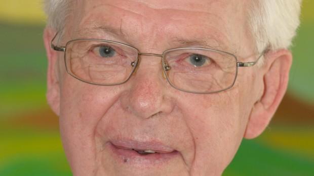 Knud Wümpelmann er død