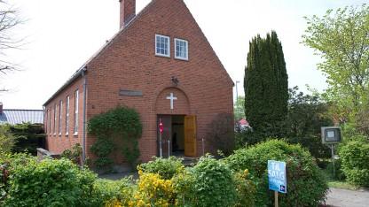 En genopstanden kirke lukker